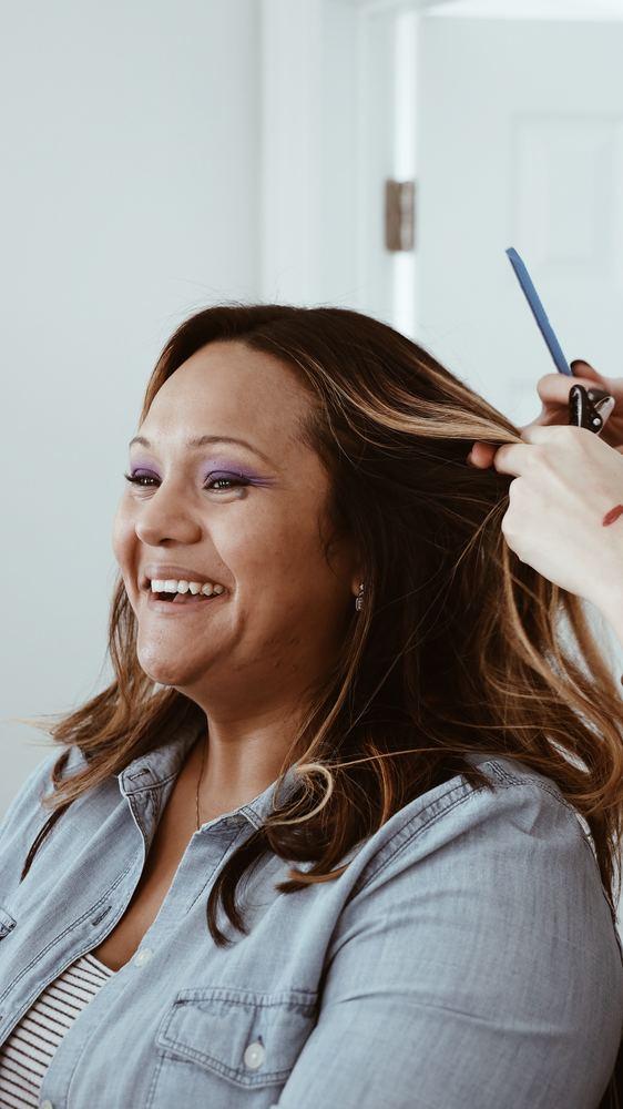 Få den rette hjælp til dit ødelagte hår hos en dygtig frisør